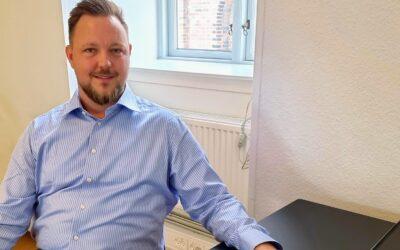Kim Sørensen på sin kontorplads på Vækstfabrikken Køge